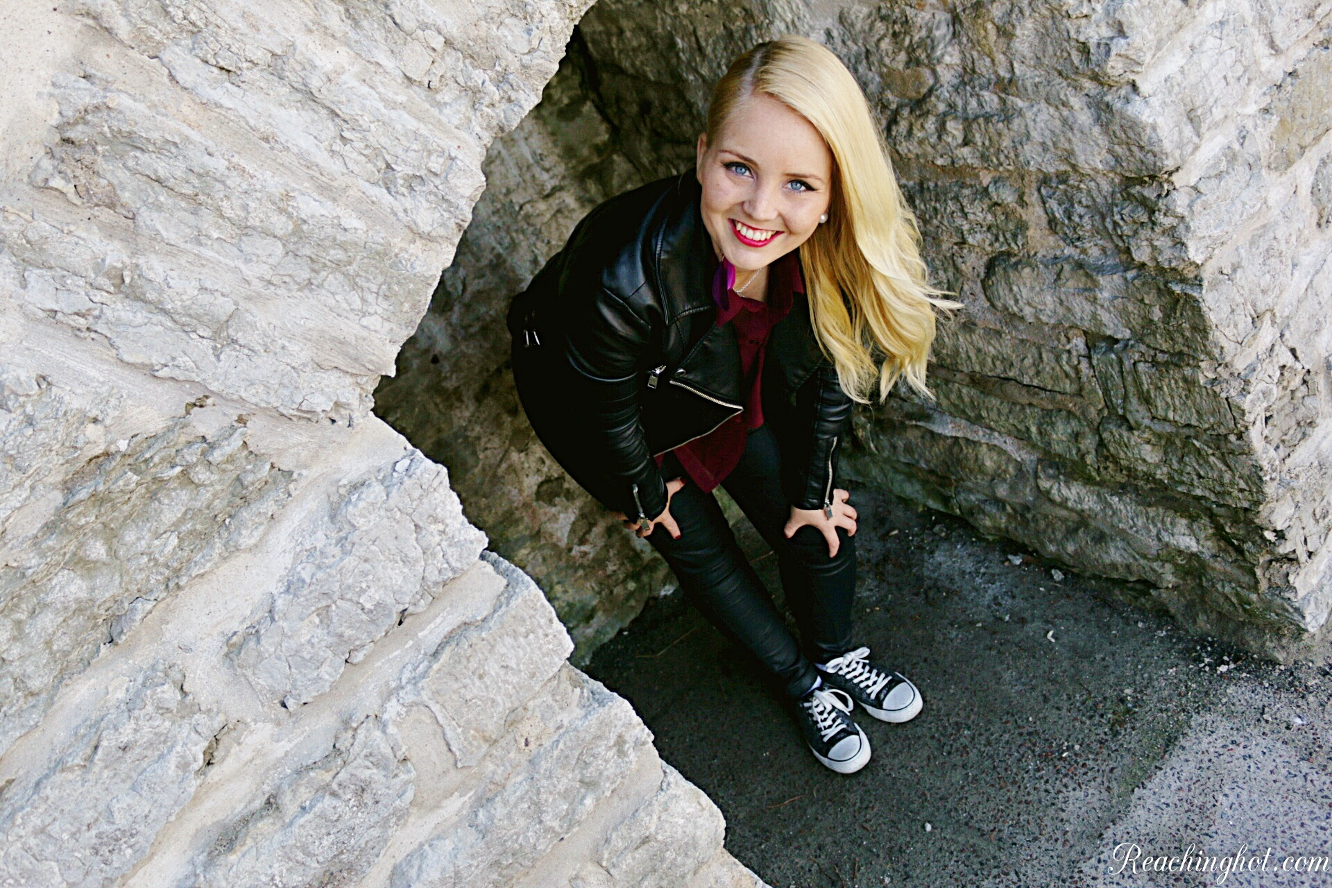 Reachinghot travel blogger in Tallin, Estonia