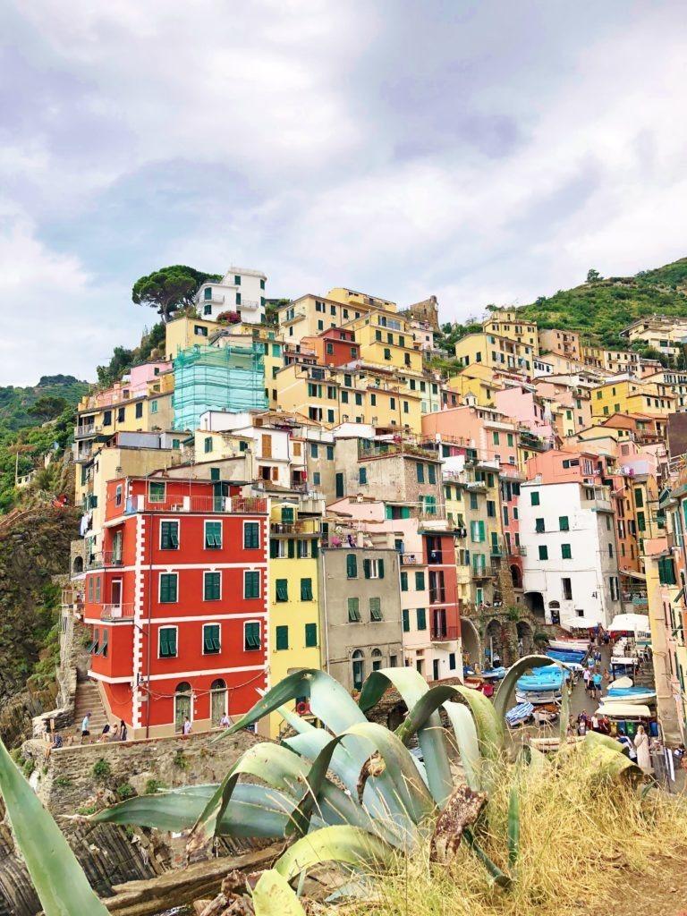Reachinghot travelblogger in Riomaggiore, Cinque Terre