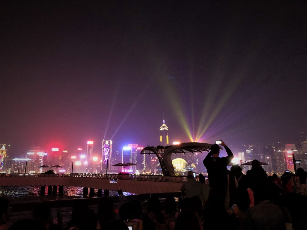 A Symphony of Lights in Hongkong, Reachinghot travelblog