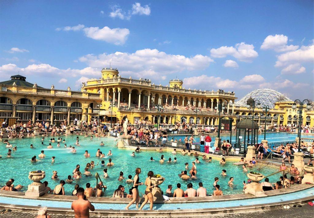Széchehnyi Thermal Spa in Budapest