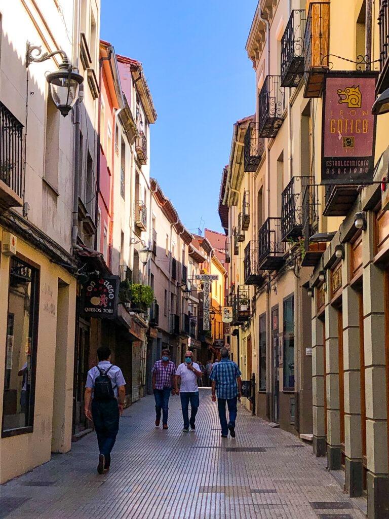 León street photo, Spain
